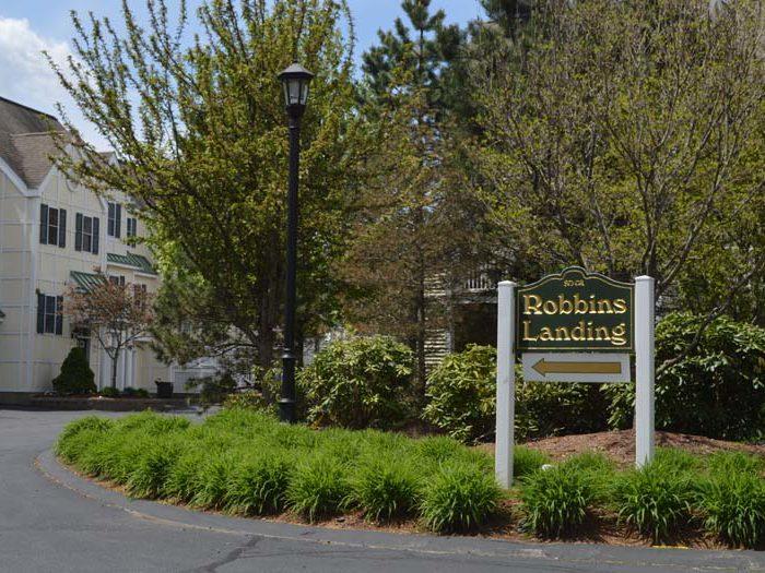 robbins landing sign